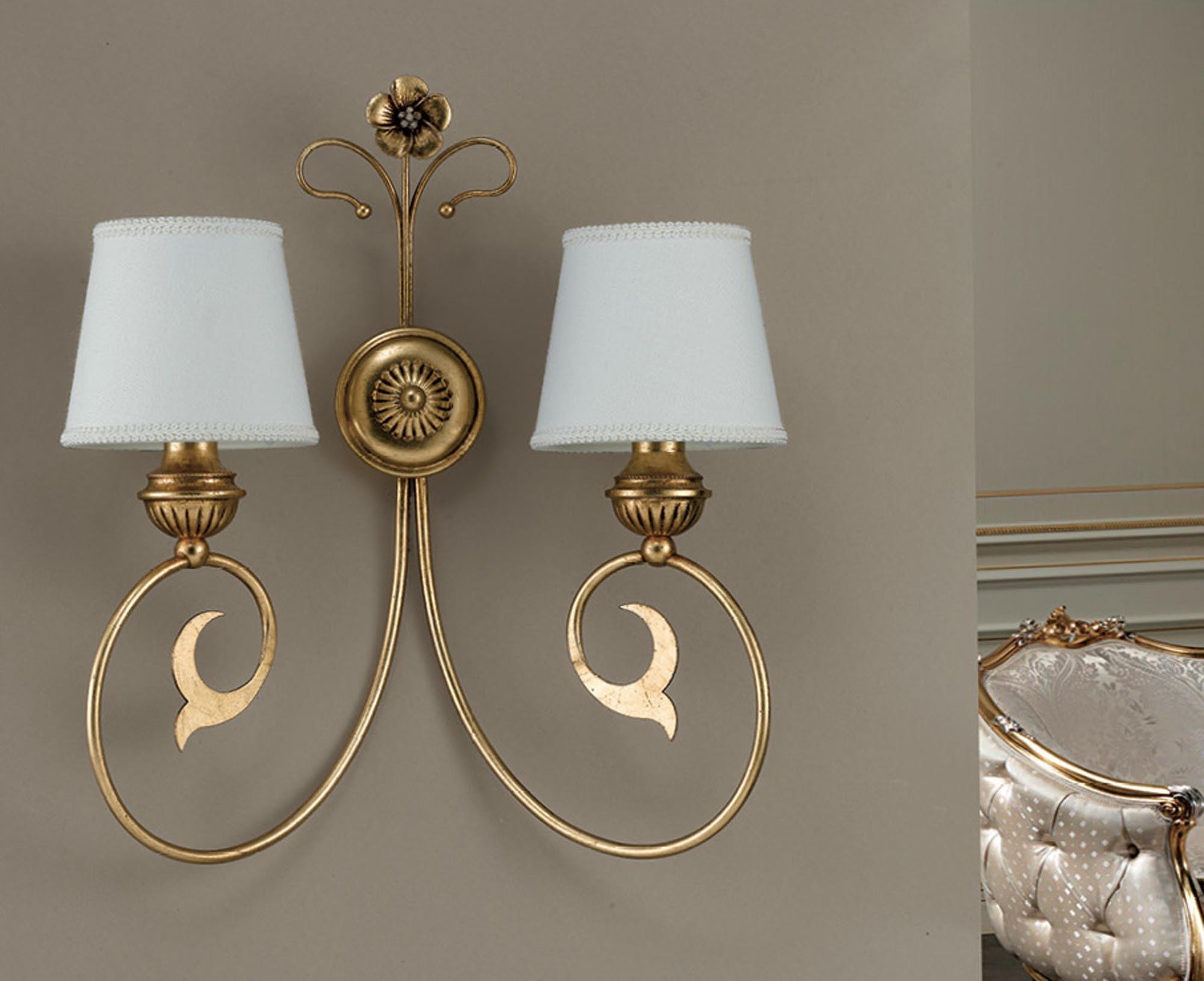 Applique classico in ferro battuto foglia oro 2 luci ap 164 2