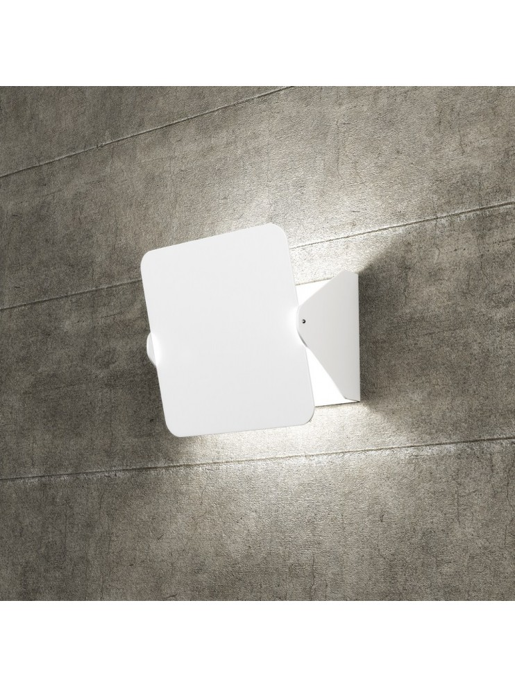 Applique 2 lights white with deflector tpl1108-apbi