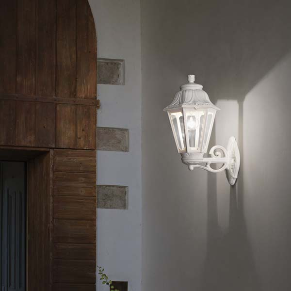 villa outdoor wall light